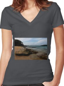 Bundeena, NSW Women's Fitted V-Neck T-Shirt