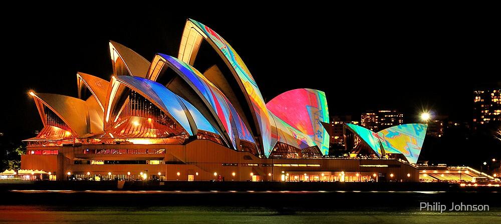 Vivid Sydney #4 - Sydney Opera House - The HDR Experience by Philip Johnson