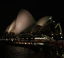 Opera House at night by fototaker