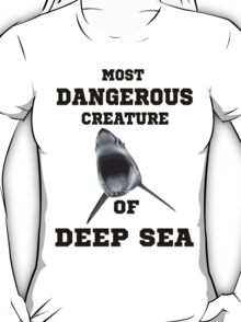 Dangerous Shark Design T-Shirt T-Shirt