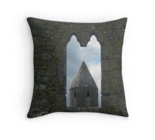 Round Tower, Ireland Throw Pillow