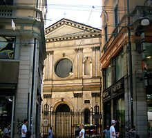 Alley on Via Toreno by slrdarkness