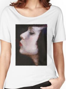 kiss me Women's Relaxed Fit T-Shirt