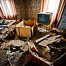 Watching TV by Sam Scholes