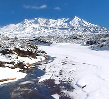 Mount Ruapehu, Tongariro national park by Paul Mercer