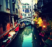 Venetian Glow by feng008