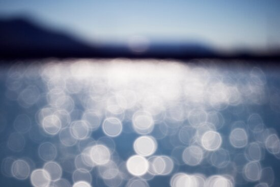 The sparkling sea by LouD