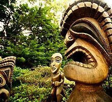Tiki statues in Maui, Hawaii by calgecko