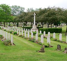 War graves in Northwood Cemetery by Chris Day