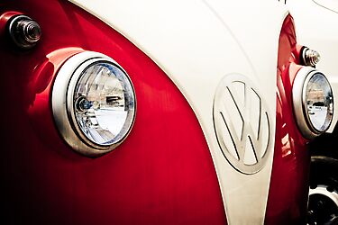VW Bus by BruceMacArthur