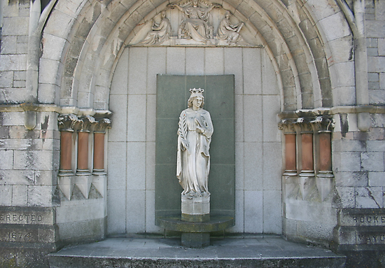 Statue at the Guild Hall, Plymouth by Alfy