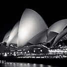Sydney Opera House @ Night by makatoosh