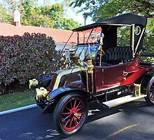 Vintage Car 1911. Government House, Brisbane, Queensland, Australia. by Ralph de Zilva