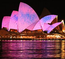 Vivid 2010: Sydney Opera House 007 by Kezzarama
