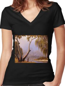 Willow Creek Women's Fitted V-Neck T-Shirt
