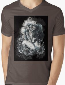 in her reflection Mens V-Neck T-Shirt