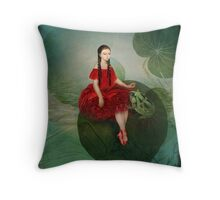 Thumbelina (Däumelinchen) Throw Pillow