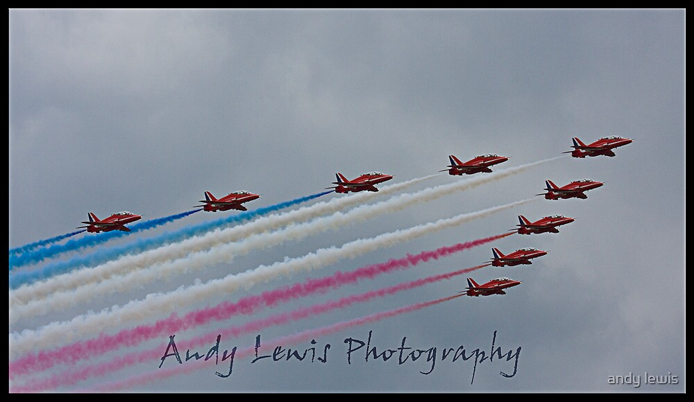Red Arrows at cosford 2010 by andy lewis