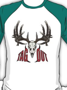 Tag out whitetail skull T-Shirt