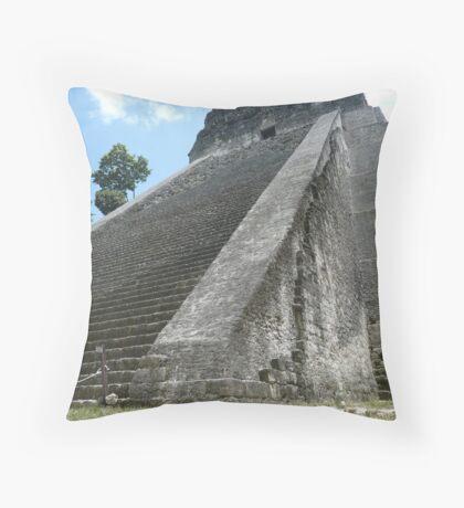Templo V Throw Pillow