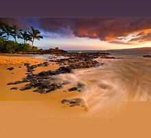 Pa'ako Beach Gold Rush by Ken Wright