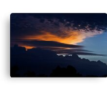 A sunset storm Canvas Print