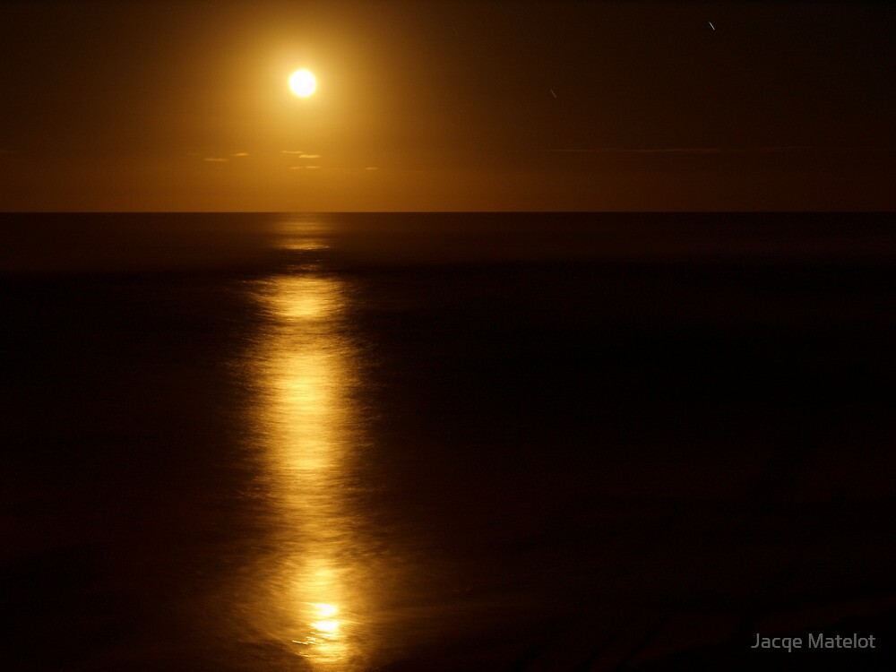 Lennox Head Moon by night by Jacqe Matelot
