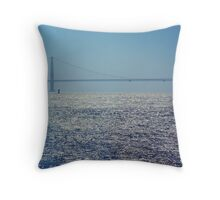 golden gate bridge in the sun Throw Pillow