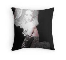 Manequin show 5 Throw Pillow