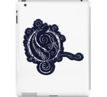 LATTICE LETTER O - blue metal distressed sticker iPad Case/Skin