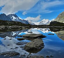 Mountain reflections of Jungfrau, Eiger and Mönch by felinafoto