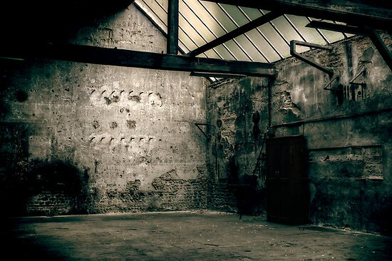 Dying place - Warehouse #3 by Nicolas Noyes
