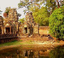 Monks walking at Preah Khan by kimle