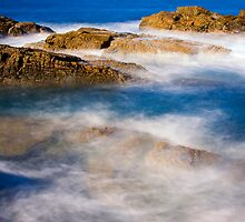 The surge - Blue Pool Bermagui by Hans Kawitzki