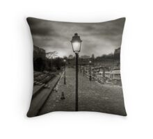 Lampadaire (1) Throw Pillow