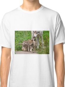 Timber Wolf And Pups Classic T-Shirt