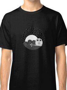 Whoot Owl - Circle Design Classic T-Shirt