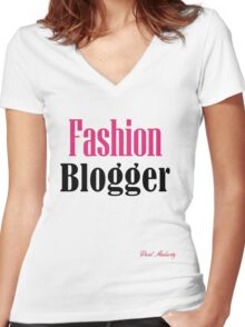 FASHION BLOGGER Women's Fitted V-Neck T-Shirt