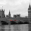 A splash of colour to brighten your day_London by Sharon Kavanagh