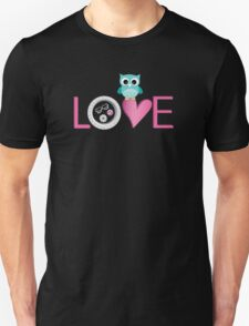 Love Owl with charm Unisex T-Shirt