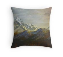 Views of Annapurna South Throw Pillow