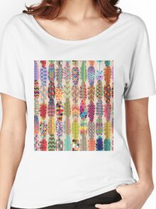 Seamless Feather Pattern Background Women's Relaxed Fit T-Shirt