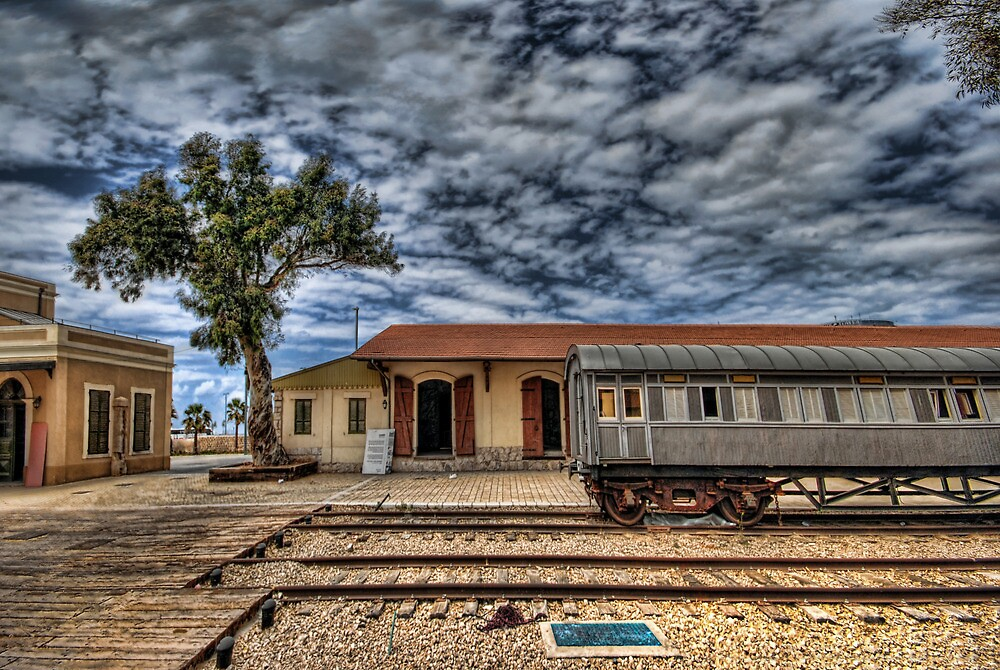 Tel Aviv, The Old Railway Station: The lonely wagon   by Ronsho