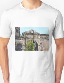 Sculptures on the arch, Bamberg, Germany T-Shirt