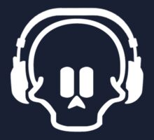 Skull & headphones by badkarma