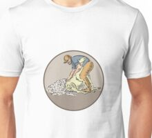 Farmworker Shearing Sheep Circle Etching Unisex T-Shirt