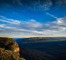 Lincoln's Rock Lookout -- WENTWORTH FALLS, NSW, Australia by robinsonimagery