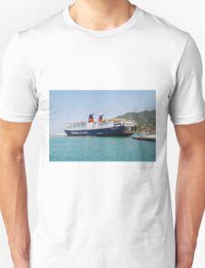 Express Pegasus docking in Skopelos Unisex T-Shirt