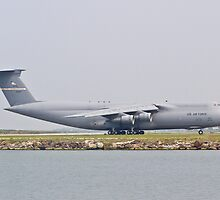 Side shot of the C-5 Galaxy by Henry Plumley