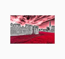 Poppies At The Tower - the very sky weeps T-Shirt